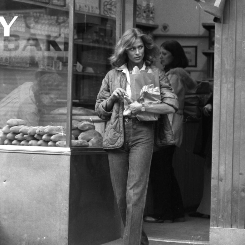 lauren-hutton-is-fascinated-by-visit-to-cheese-shop-bakery-news-photo-455608176-1547786801